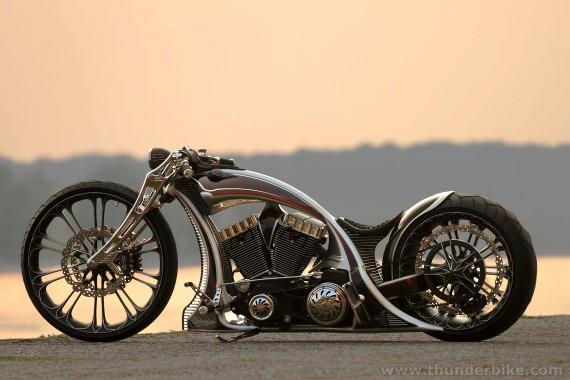 Die Unbreacable von Thunderbike räumt bei der Eurpean Bike Week voll ab.