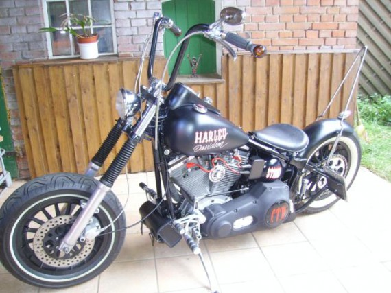 hd softail bobber umbau bikes music more. Black Bedroom Furniture Sets. Home Design Ideas