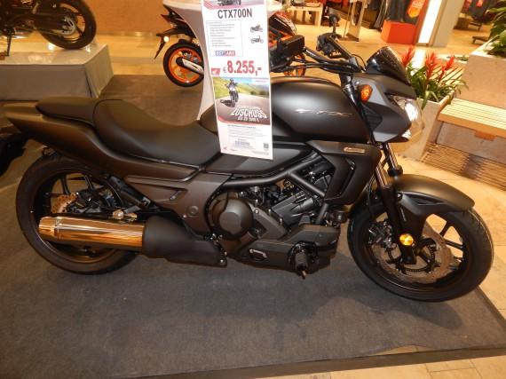 Die CTX 700 N am Stand von Motorrad Huchting.