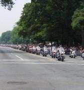 Eine gigantische Biker-Parade zum Rolling Thunder Day!