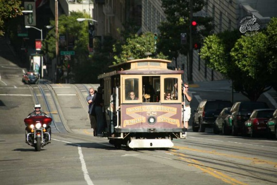 Jo, die Cable Car in San Fransiso gibt es noch. Touristen-Attraktion!