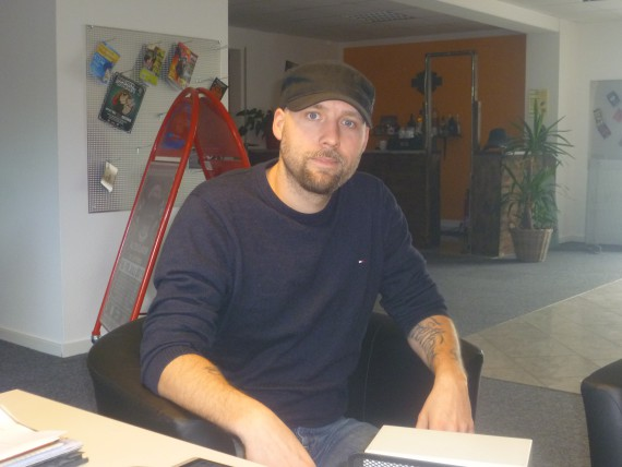 Gegor hat mir heute im Office sein neues Projekt erläutert!