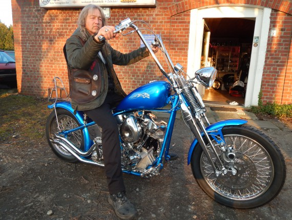 55er Starrahmen, Original Springergabel, 72er Shovel-Motor and many more!