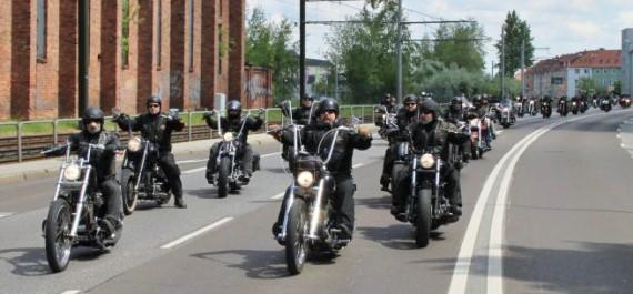 Ride with the Borns. Die Ausfahrt ist für alle Biker offen, mit oder ohne Juppe!
