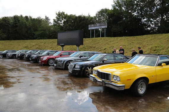 Young- und Oldtimer. Den Schwerpunkt bilden die US Cars!