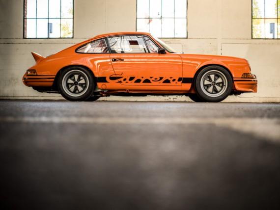 Edles auf vier Rädern erfreut die Fans natürlich auch. Hier ein 66er Porsche 911.
