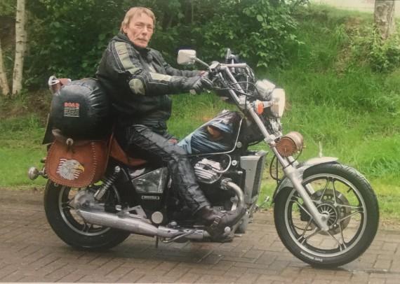 """Fritz nennt seinen Chopper Bj. 83 """"Güllepumpe2! Männlich oder weiblich? Grins...."""