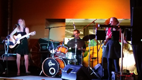 Das Trio Thorns & Roses gastierte im White Buffalo.