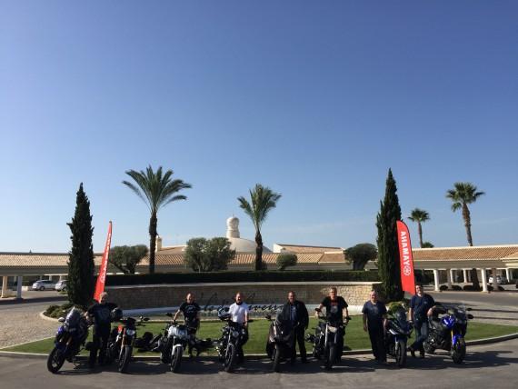 Namhafte Händler wie Yamaha bedienen den Markt mittlerweile ganzheitlich, ergo auch mit Reiseangeboten.