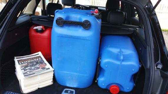 350 Liter plus ein Zeitungsstapel gingen ganz easy rein!