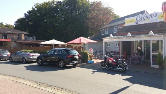 Witzig: Beim Kaffee-Stop in Heiligenrode gesellte sich ein MB nach dem anderen zu uns!