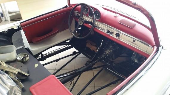 Oldtimer sind im Kommen. Puh, dieses Fahrzeug hat einen Wert von 800.000 Euro.