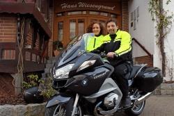 Dirk Knecht ist der Betreiber vom Hotel Wiesengrund, einem offiziellen Partner von BMW Motorrad.