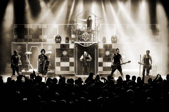 Mittlerweile ist Völkerball die wohl beste Tribute-Band von Rammstein.