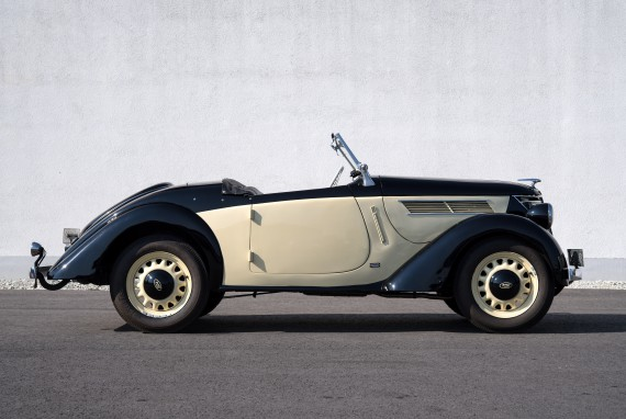 Fährt Anfang Februar bei der Bremen Classic Motorshow vor: der 1939er Ford Eifel Roadster mit Karmann-Aufbau.