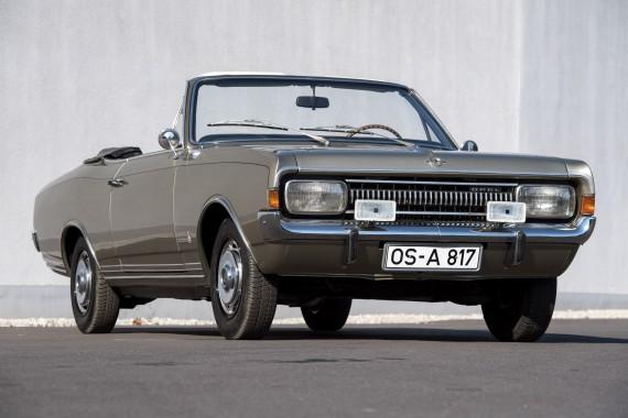 Karmann arbeitete auch für die Konkurrenten von Volkswagen. In Bremen zu sehen ist unter anderem der Cabrio-Prototyp des Opel Commodore von 1967.