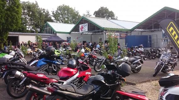 LBM Bikers Outfit wird von allen Bikern mit dem Schwerpunkt Freizeitfahrer besucht!