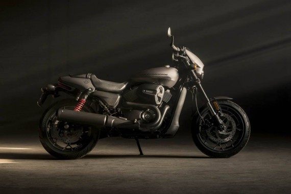 Die Street Rod 750 ist der neue Einsteiger in das Segment Harley Davidson.