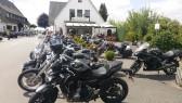 Vor der Promenade befindet sich der Strand-Imbiss Achterndiek. Beliebt bei Bikern!
