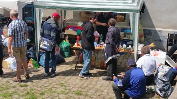 In Zukunft werden die Sachspenden an einem Ort in Bremen eingelagert. Dazu sind Spenden ja da.