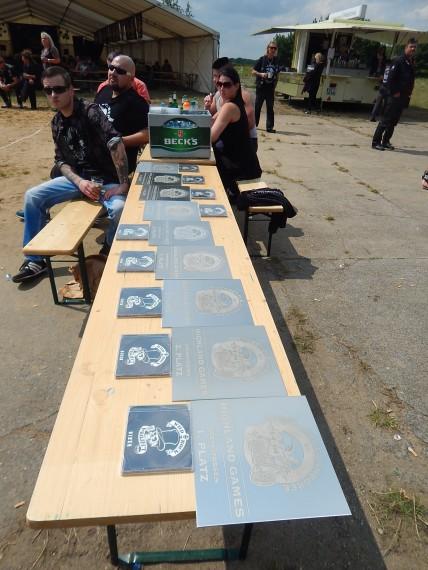 In diesem jahr gab es Edelstahlplatten mit Gravur und eine CD des Wild Rock Projects zu gewinnen!