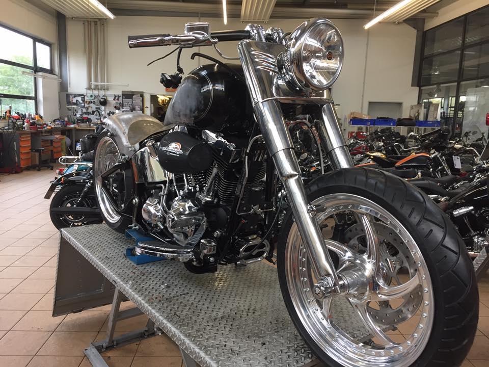 Harley Container: Schrauber gesucht! - Bikes, Music & More