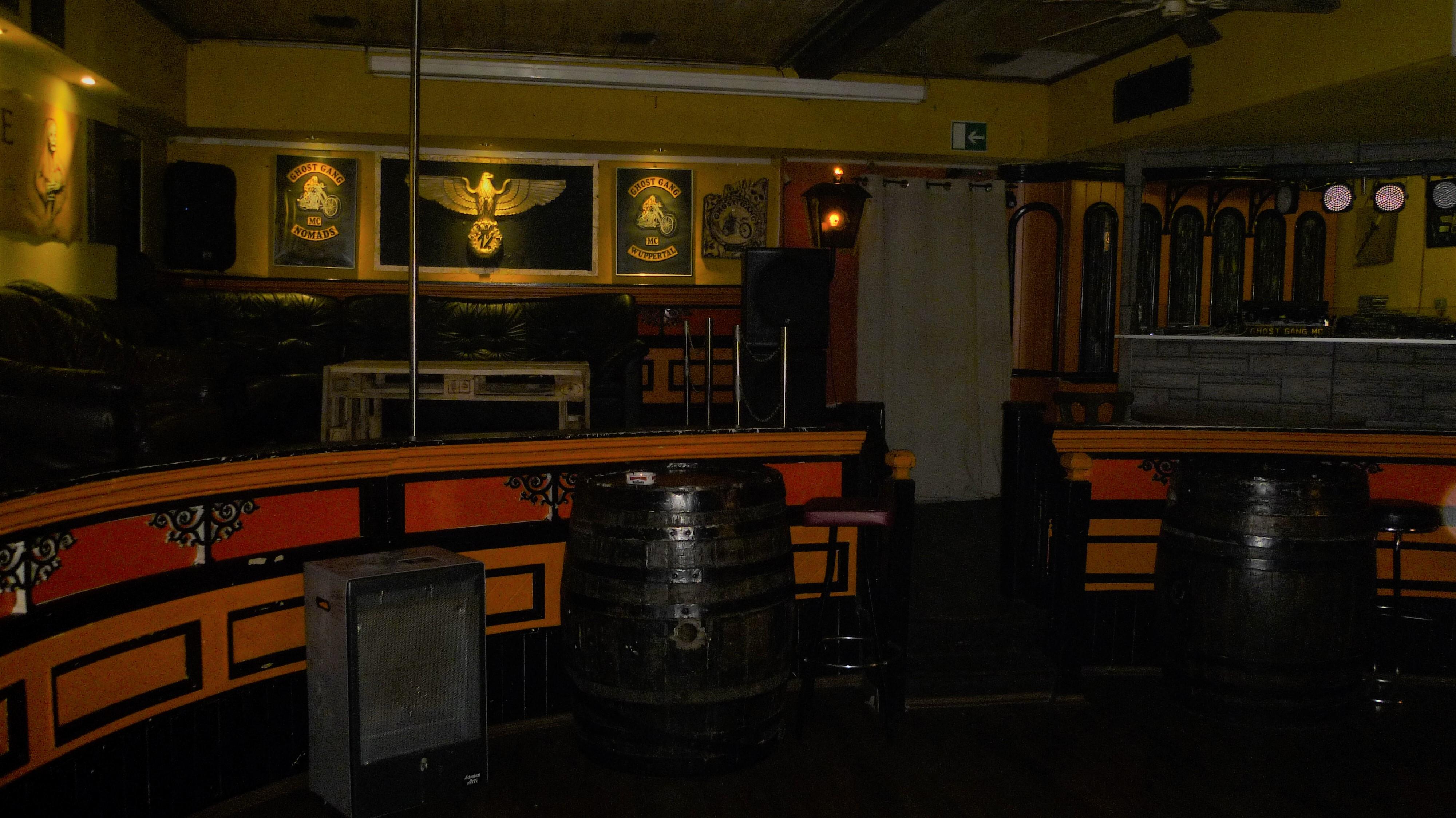 Gang mc ghost Bar owner